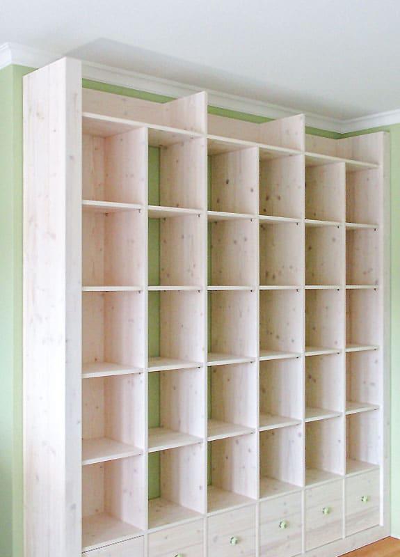 Wohnwand aus Massivholz von wohnraum8 - gut geplant und natürlich einmalig
